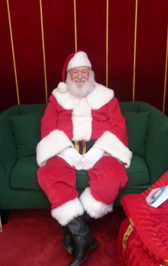 Santa 39 S Home Away From The North Pole Is At The Fairfield Inn By Marriott Lancaster Lancaster